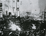 Burnt-out remains of Suzuki Store in Kobe, August 12, 1918 (Taisho 7) From (Gaho Kindai 100nen Shi. Vol.4)