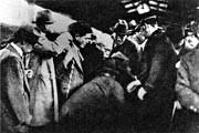 Prime Minister HAMAGUCHI injured 14 November 1930 (Showa 5). From (Teikokushugi to Minponshugi)